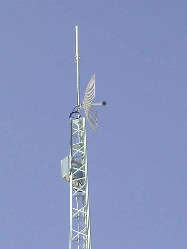 Wireless Tower with Solar